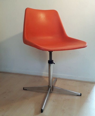 Office chair by Robin Day for Tecno, 1960s