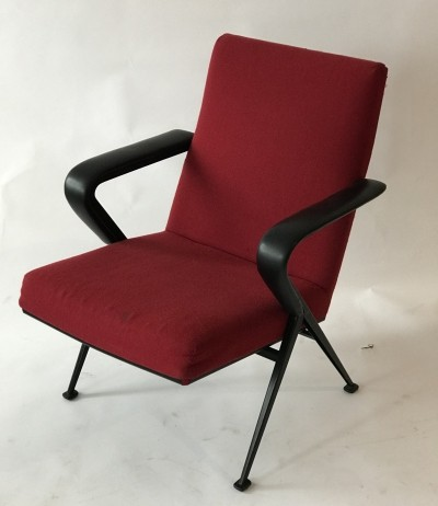 2 x Repose lounge chair by Friso Kramer for Ahrend de Cirkel, 1960s