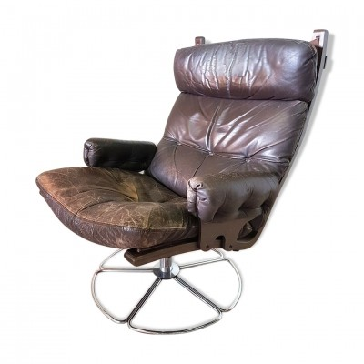 Leather & bentwood Scandinavian lounge chair on swivel base, 1960s