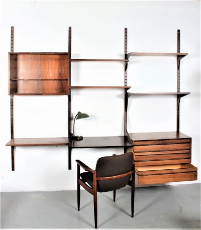 Superb Poul Cadovius wall system in palisander with desk, cabinet & drawers