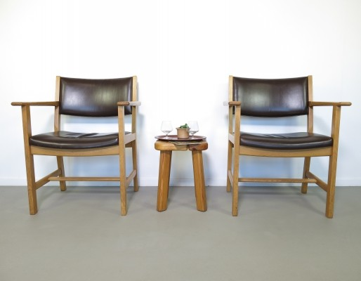 Pair of GE arm chairs by Hans Wegner for Getama, 1960s