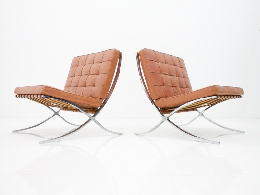 Rare Set of Two Screwed Barcelona Chairs by Mies van der Rohe for Knoll, 1955-1958