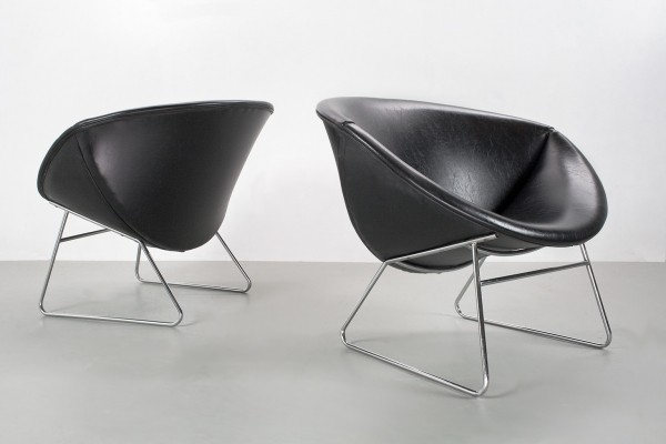 Rudolf Wolf club lounge chairs in black faux leather for Rohé