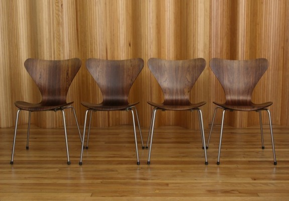 Set of 4 'Model 3107' Arne Jacobsen dining chairs for Fritz Hansen, Denmark