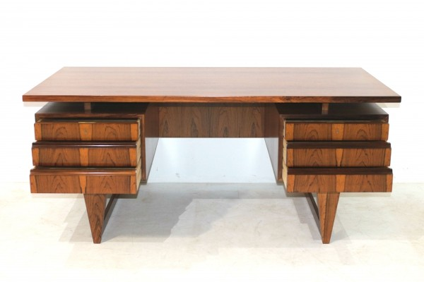 Mid-Century Rosewood Desk by Illum Wikkelso for Mikael Laursen