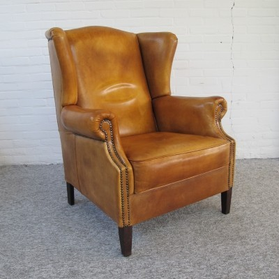 English Chesterfield armchair with cognac leather upholstery, 1990s