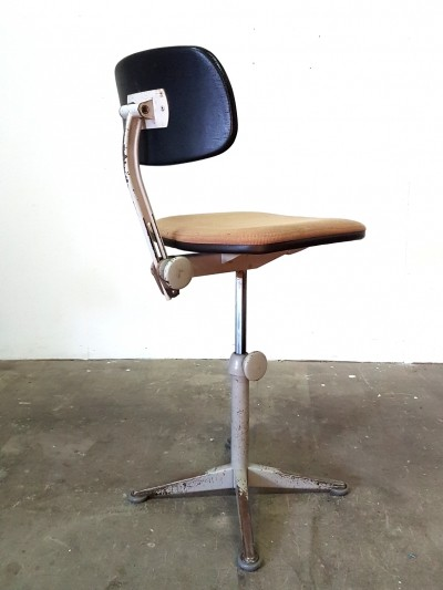 Friso Kramer upholstered architect chair
