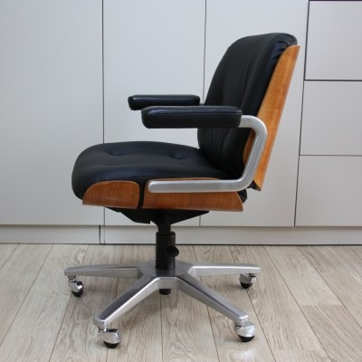 Swivel Giroflex office chair in wood & black leather, 1960s