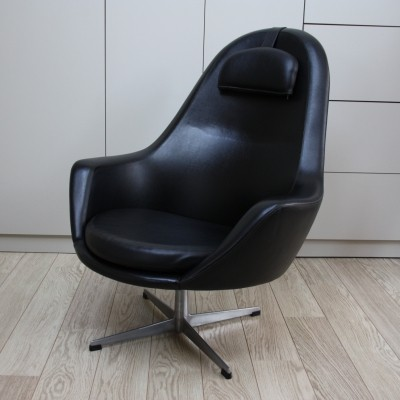 Swivel lounge chair in black leatherette by Pastoe, 1960's