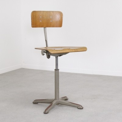 Early Ahrend de Cirkel industrial office chair, 1950s