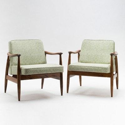 Pair of type 300-203 GFM-87 armchairs by J. Kędziorek