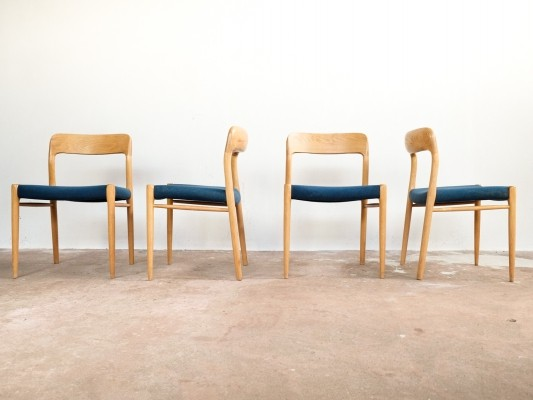 Set of 4 chairs in oak by Niels Otto Møller
