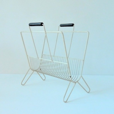 Vintage metal magazine rack with wooden handles, 1960's/1970