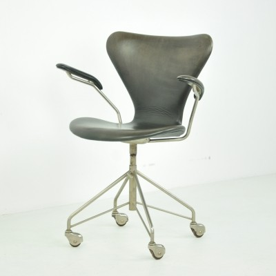 '3217' Swivel Armchair by Arne Jacobsen for Fritz Hansen, 1950s
