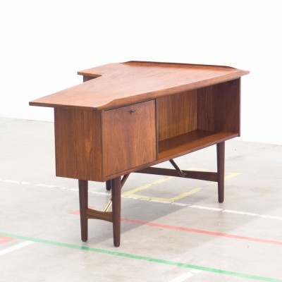 Boomerang writing desk by Peter Løvig Nielsen for Løvig, 1950s