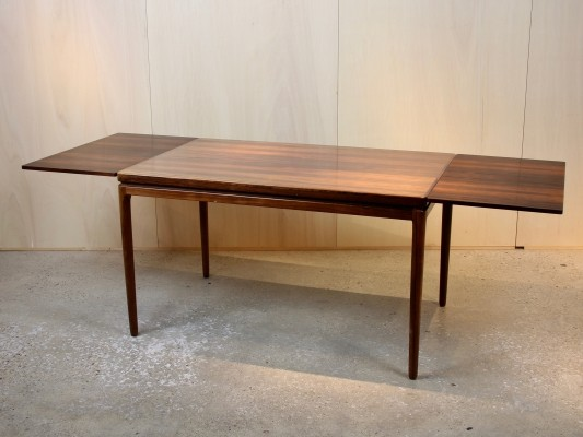 Extendable rosewood dining table by Johannes Andersen for C. Linneberg, 1960s