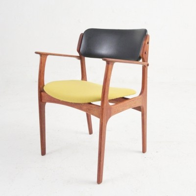 Model 50 Erik Buch armchair in oak with skai & wool