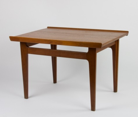 Teak model 535 side table by Finn Juhl for France & Son, 1960