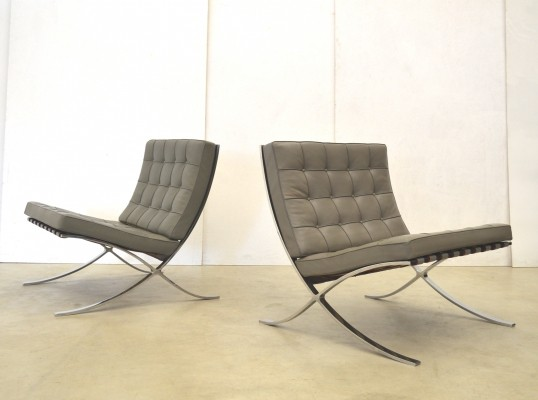 4 x Barcelona lounge chair by Ludwig Mies van der Rohe for Knoll International, 1980s