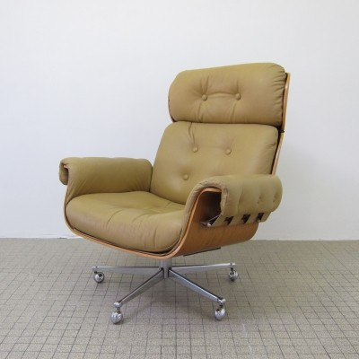 Set of Vintage leather lounge chairs by Martin Stoll for Giroflex