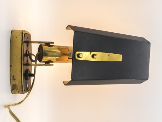 Labeled Mod. 2133 wall light by Stilnovo, 1950