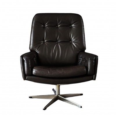 Leather lounge chair from the seventies by Farstrup
