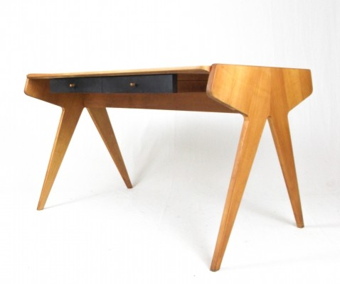 Helmut Magg men's desk