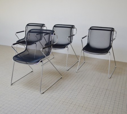 Vintage design 'Penelope' chairs by Charles Pollock for Castelli