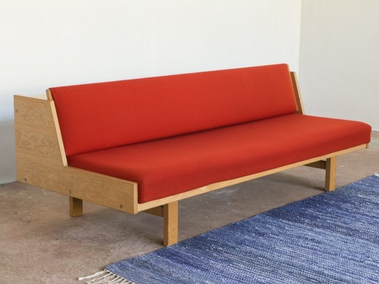 GE-258 sofa by Hans Wegner for Getama, 1960s