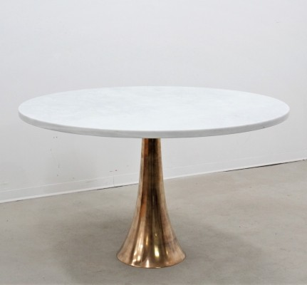 Rare mod. 302 dining table by Angelo Mangiarotti for Bernini