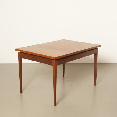 Pastoe fold-out diningroom table