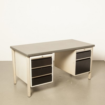 Oda desk with black drawers