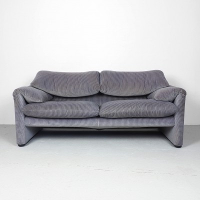 Cassina 2 seater sofa Maralunga in light grey & lilac velvet