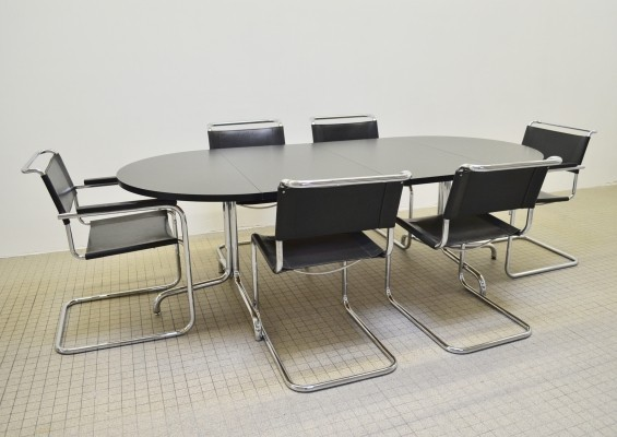 Bauhaus design dinner set by Thonet with 4xS33 + 2xS34 chairs + dining table