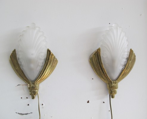 Pair of Lumi Brass Hollywood Regency style wall Lamps, 1970s