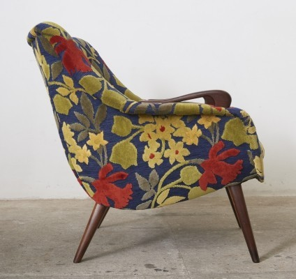 Danish Classic Lounge chair with Slight Winged Arms