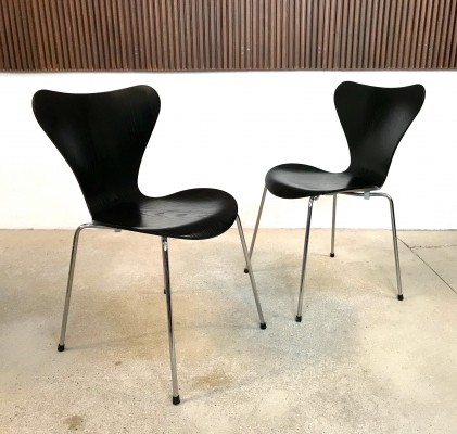 Model 3107 Stackable Plywood Chairs by Arne Jacobsen for Fritz Hansen, 1960s