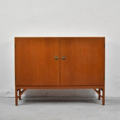 Rare Model A 232 cabinet by Børge Mogensen & produced by C. M. Madsen for FDB