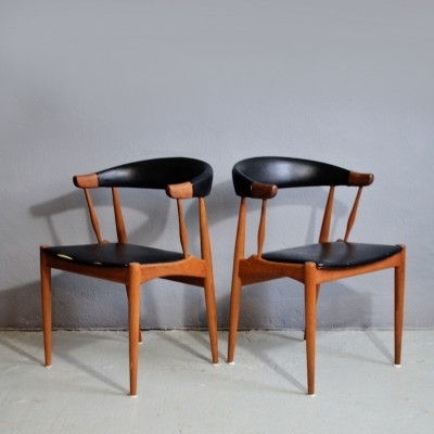 Set of 2 chairs by Johannes Andersen
