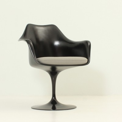 Tulip Arm Chair by Eero Saarinen for Knoll