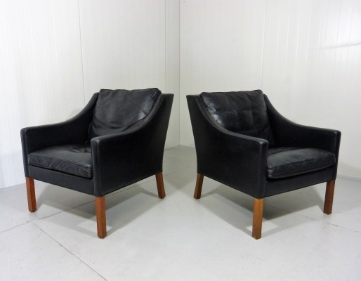 Pair of 'model 2207' Lounge Chairs by Borge Mogensen for Fredericia Denmark