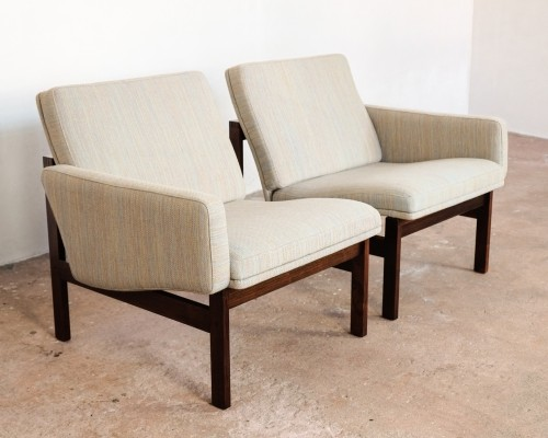 Pair of arm chairs by Ole Gjerløv Knudsen & Torben Lind for France & Son, 1960s
