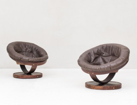 Set of swivel egg chairs produced in Norway, 1970