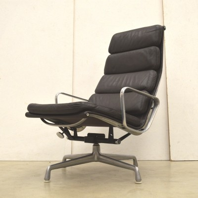 Darkbrown EA222 lounge chair by Charles & Ray Eames for Herman Miller, 1980s