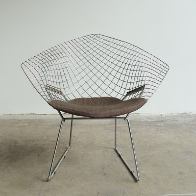 Diamond chair model 421 by Harry Bertoia
