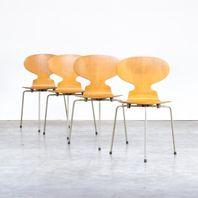 Set of 4 Arne Jacobsen plywood 'model 3100 Ant' chairs for Fritz Hanzen, 1950s