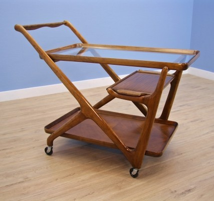 Italian serving trolley in walnut by Cesare Lacca for Cassina, 1950s