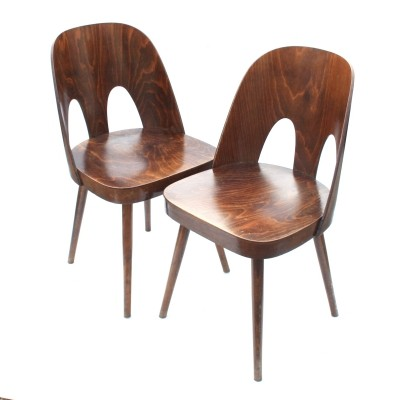 Pair of Model 515 chairs with 2 gaps by TON