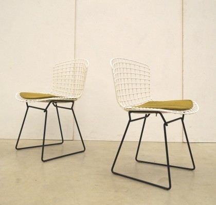 Pair of Wire dinner chairs by Harry Bertoia for Knoll, 1960s