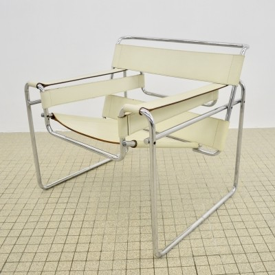 Vintage Gavina B3 'wassily' chair by Marcel Breuer in white leather